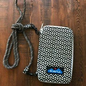 KAVU Cross Body Zip Around Phone Case Bag Wallet